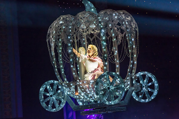 Magical special effects - Cinderella's  Flying Coach