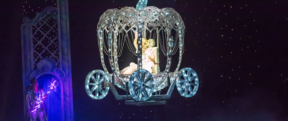 Special Effects for Pantomimes - Cinderella's Flying Coach