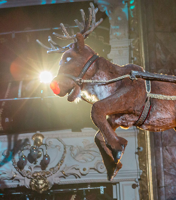 Flying special effects - Rob the Reindeer and Sleigh